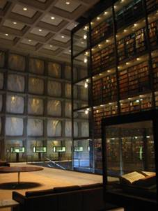 El interior de la Beinecke